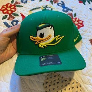 Nike Oregon Ducks flex fit hat